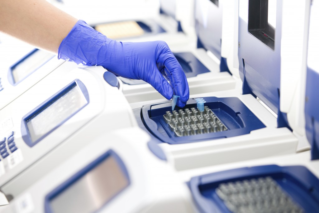 پاسخ به یک سوال مهم : جواب آزمایش ژنتیک چقدر طول میکشه؟